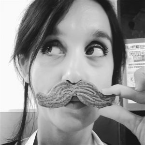 photo-elo-moustache4